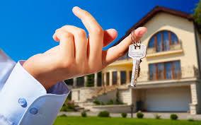 Woning kopen in een overspannen markt en de rol van de aankoopmakelaar